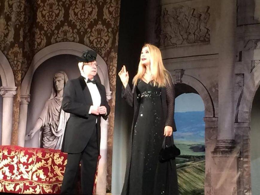 Народная артистка Ольга Сумская сыграла в Мариуполе и получила цветы от мэра (ФОТО, ВИДЕО), фото-1