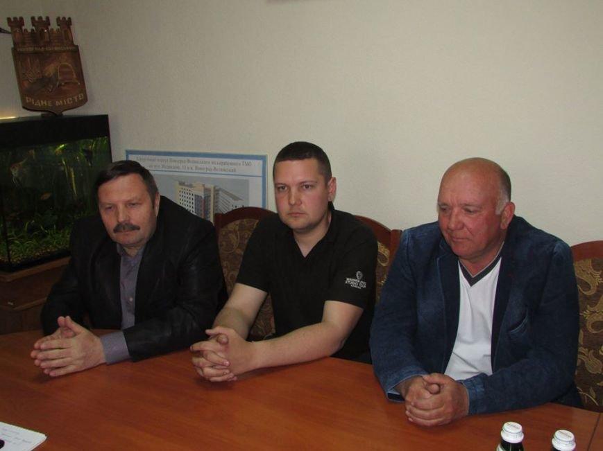 Міський голова зустрівся з керівниками автозаправочних станцій, фото-1