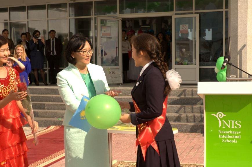 Назарбаев Интеллектуальная Школа проводила своих первых выпускников, фото-11