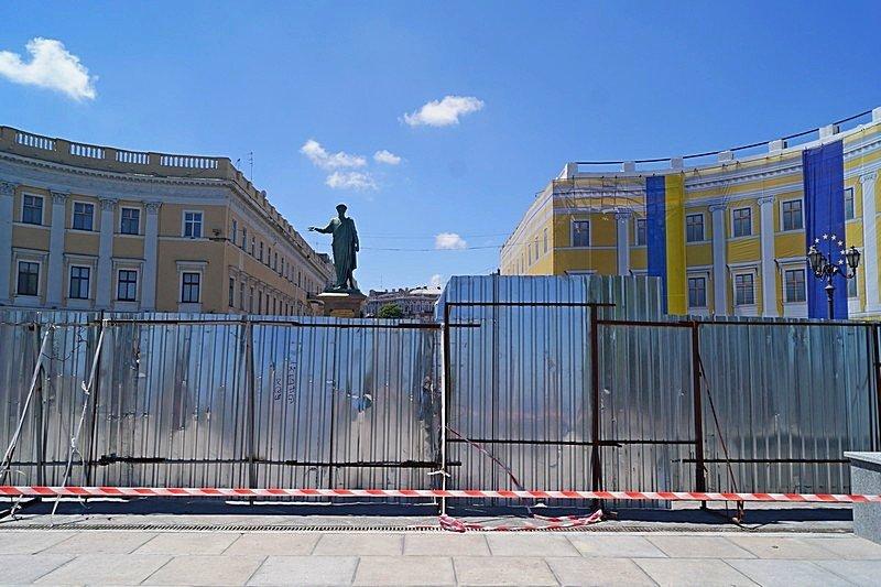 Готовность номер один: что происходит на Потемкинской лестнице перед визитом верховного главнокомандующего (ФОТО), фото-4