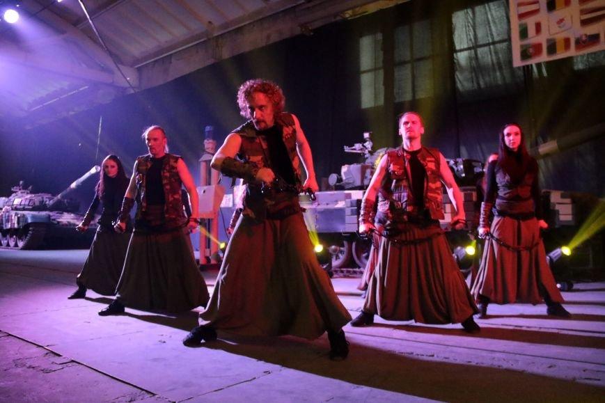 Як у Львові відзначали День Європи на бронетанковому заводі: фоторепортаж, фото-11
