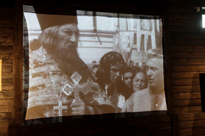 У Львові відкрили виставку, на якій можна побачити антирелігійні радянські плакати: фоторепортаж, фото-4