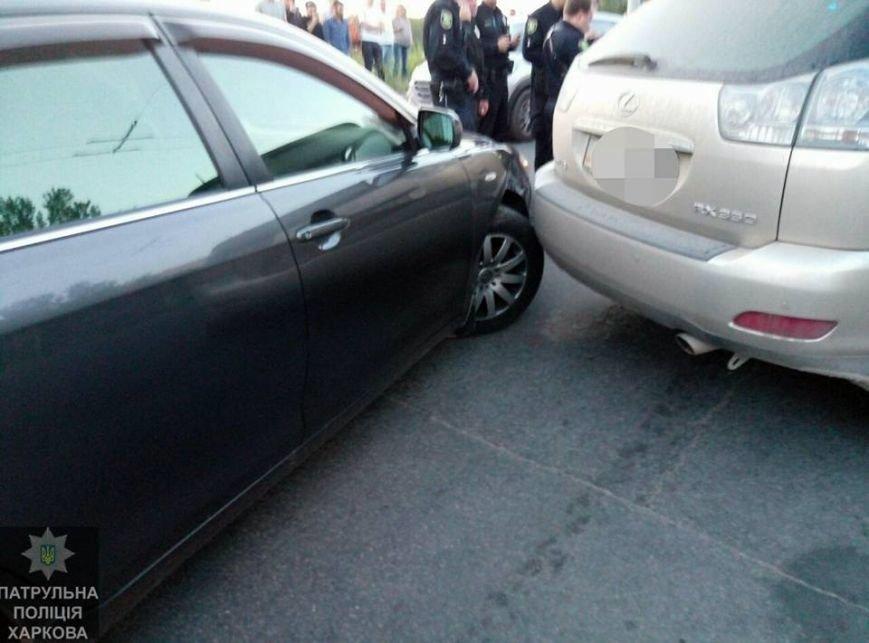 В Харькове пьяный полицейский протаранил военную машину и устроил погоню с патрульными (ФОТО), фото-1