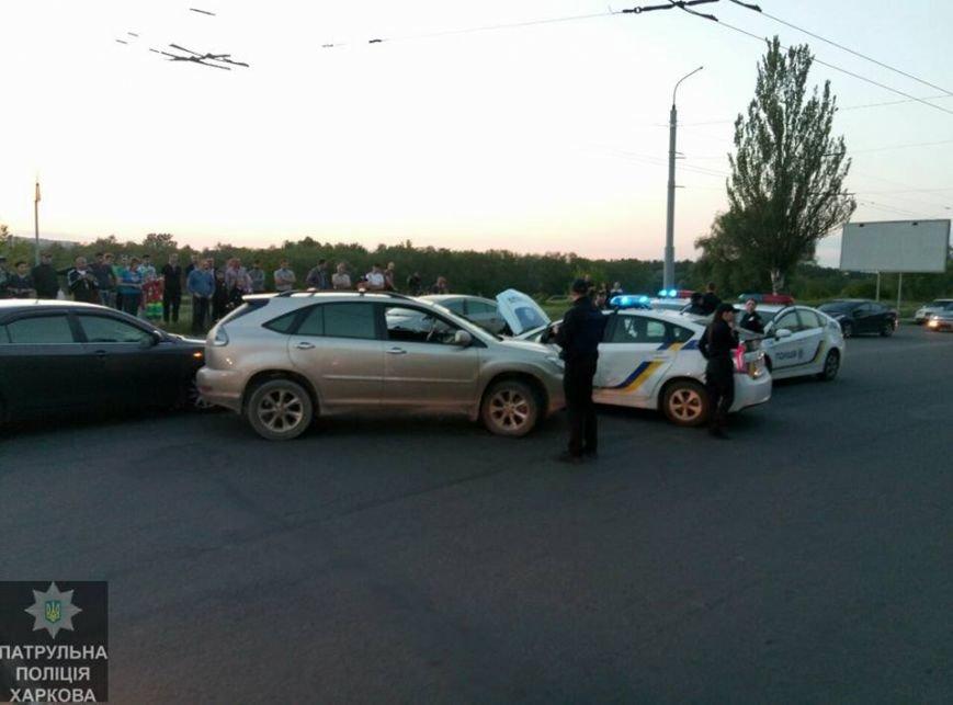 В Харькове пьяный полицейский протаранил военную машину и устроил погоню с патрульными (ФОТО), фото-3