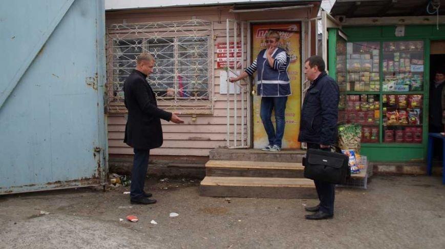Жители Петропавловска жалуются властям на антисанитарию базы на 8 км, фото-5