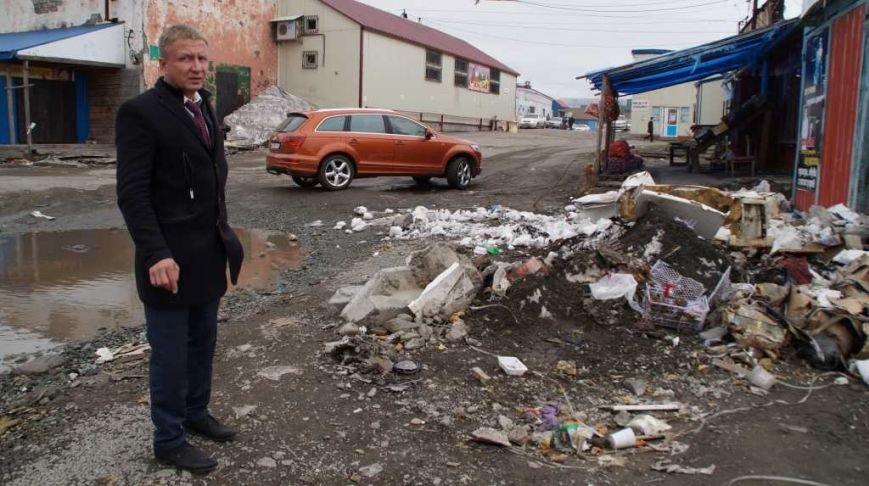 Жители Петропавловска жалуются властям на антисанитарию базы на 8 км, фото-1