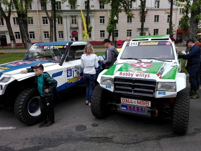 Полоцк готовится к ралли: фоторепортаж с выставки спортивных автомобилей на площади Скорины, фото-1