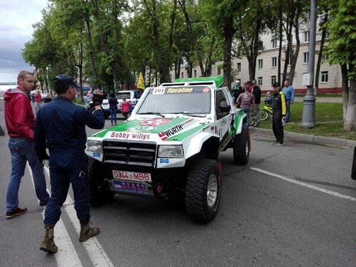 Полоцк готовится к ралли: фоторепортаж с выставки спортивных автомобилей на площади Скорины, фото-6