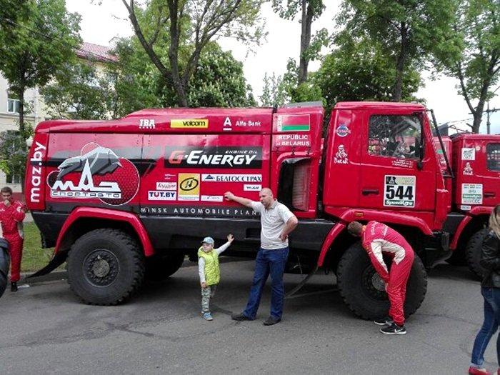 Полоцк готовится к ралли: фоторепортаж с выставки спортивных автомобилей на площади Скорины, фото-9