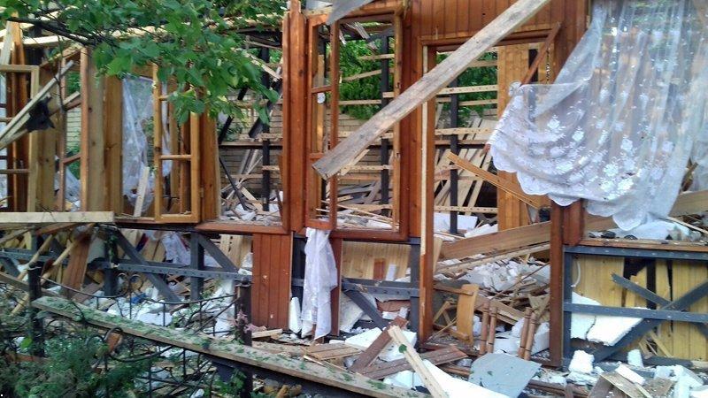 В Красногоровке снаряд боевиков взорвался между больницей и техникумом (ФОТО, ВИДЕО), фото-5