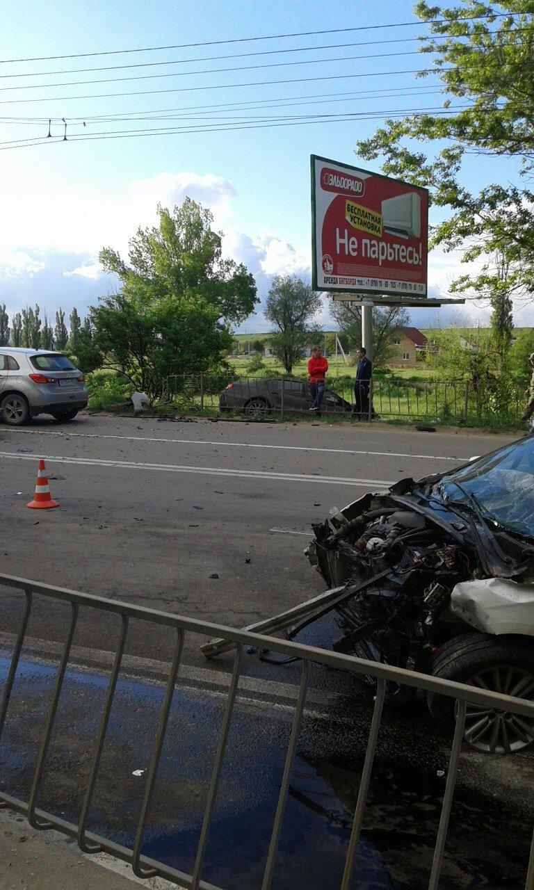 Под Симферополем на трассе столкнулись две иномарки (ФОТО), фото-5
