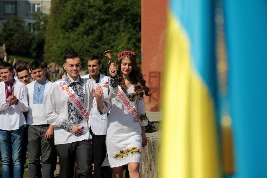 У львівських школах пролунав останній дзвоник (ФОТО), фото-14