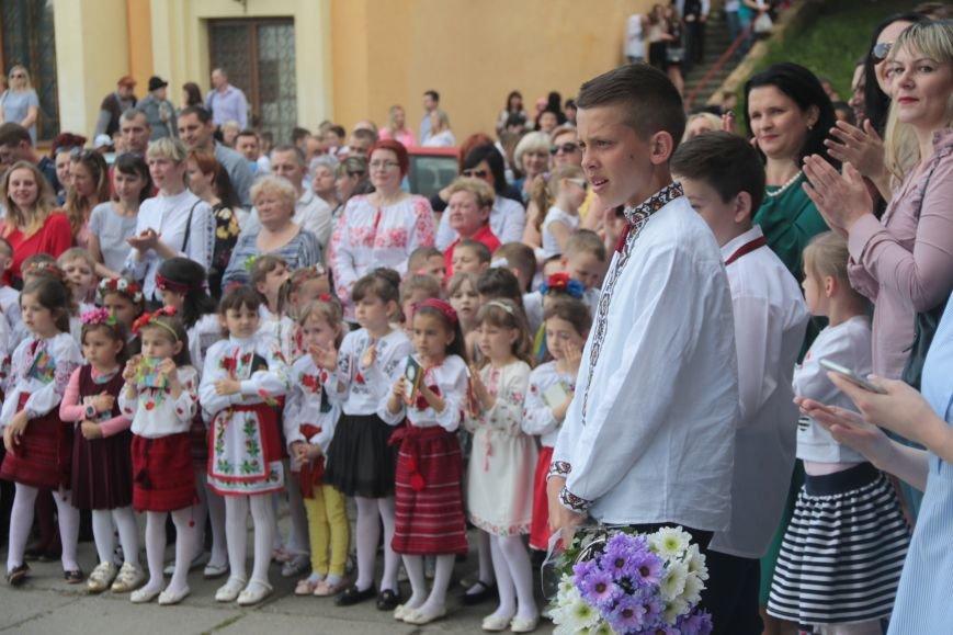 У львівських школах пролунав останній дзвоник (ФОТО), фото-10