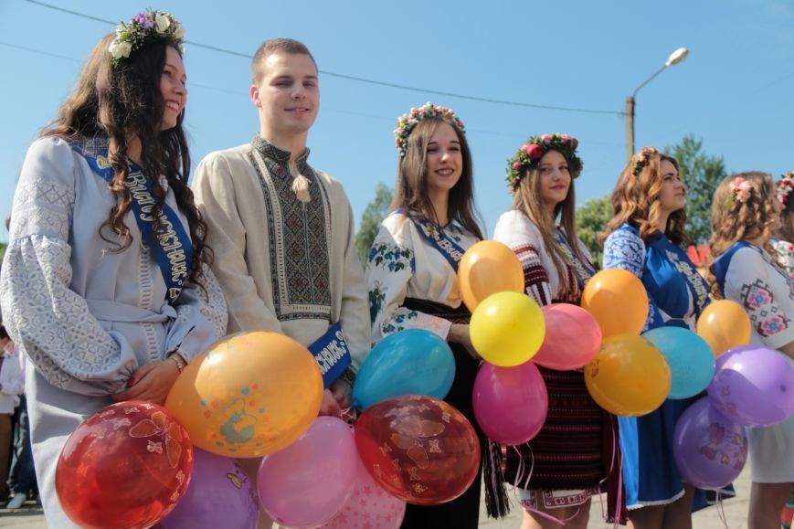 У львівських школах пролунав останній дзвоник (ФОТО), фото-12