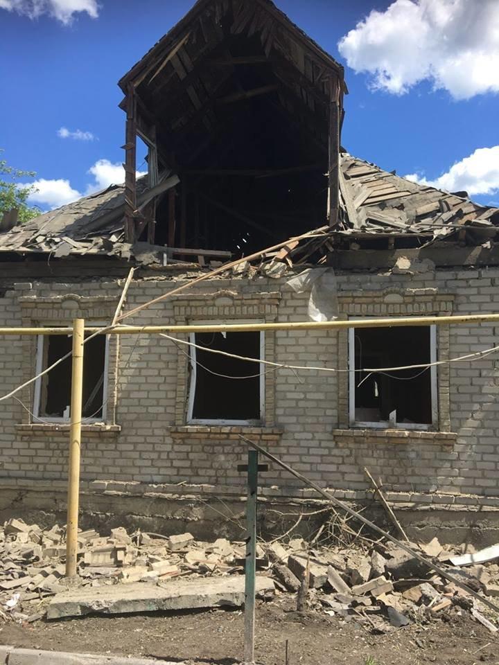 Новые подробности кошмара в Красногоровки: уничтожено 50% больницы, повреждено 29 домов, ранены три мирных жителя (ФОТО), фото-2