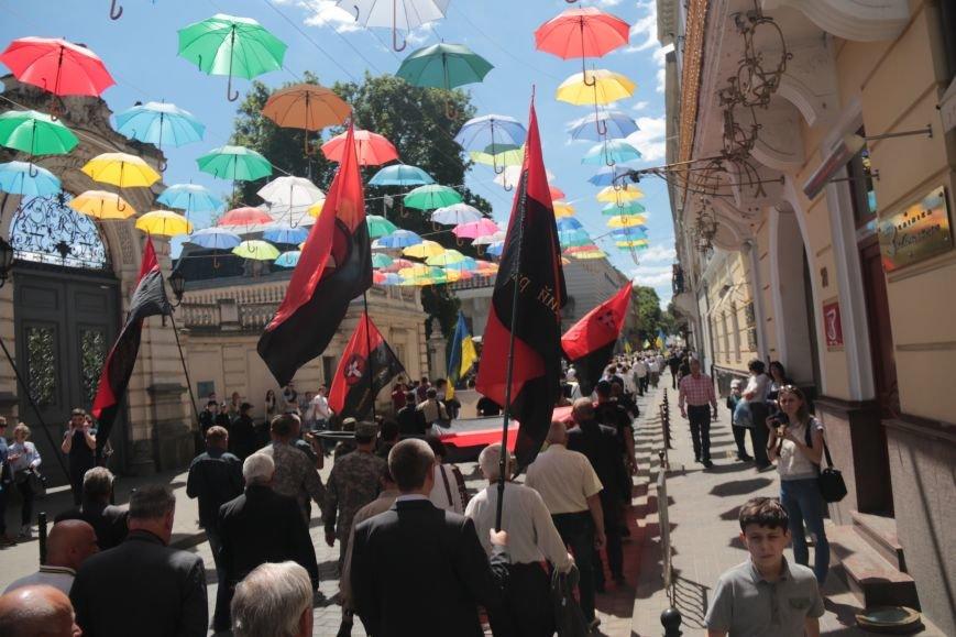 Свято Героїв у Львові відзначили урочистою ходою: як це було (ФОТО), фото-12