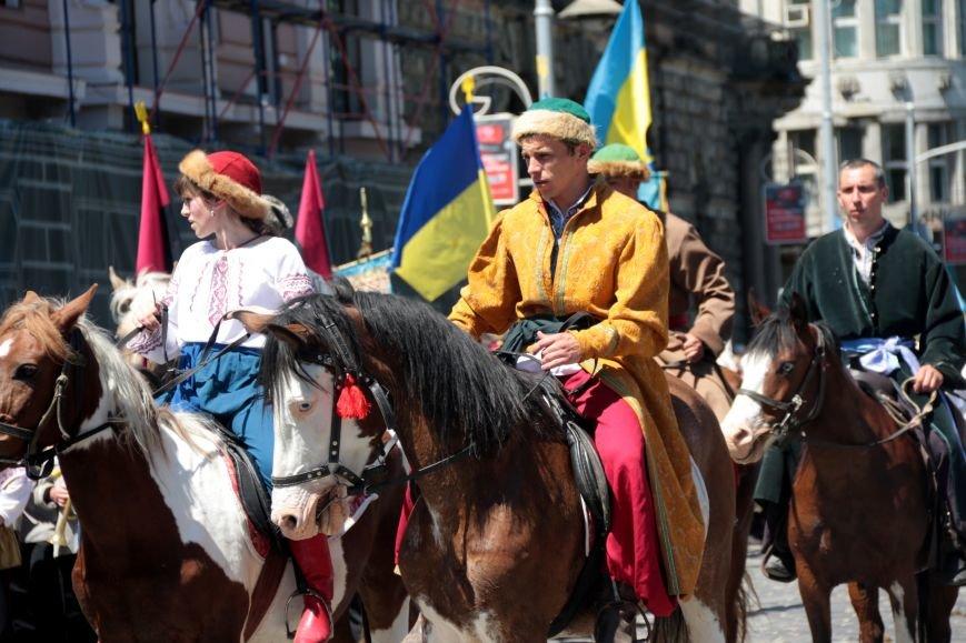 Свято Героїв у Львові відзначили урочистою ходою: як це було (ФОТО), фото-6