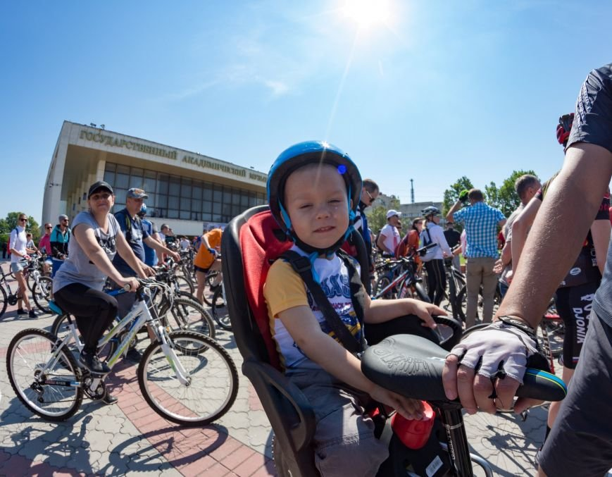 Велопарад собрал в центре Симферополя несколько сотен участников от мала до велика (ФОТО, ВИДЕО), фото-5