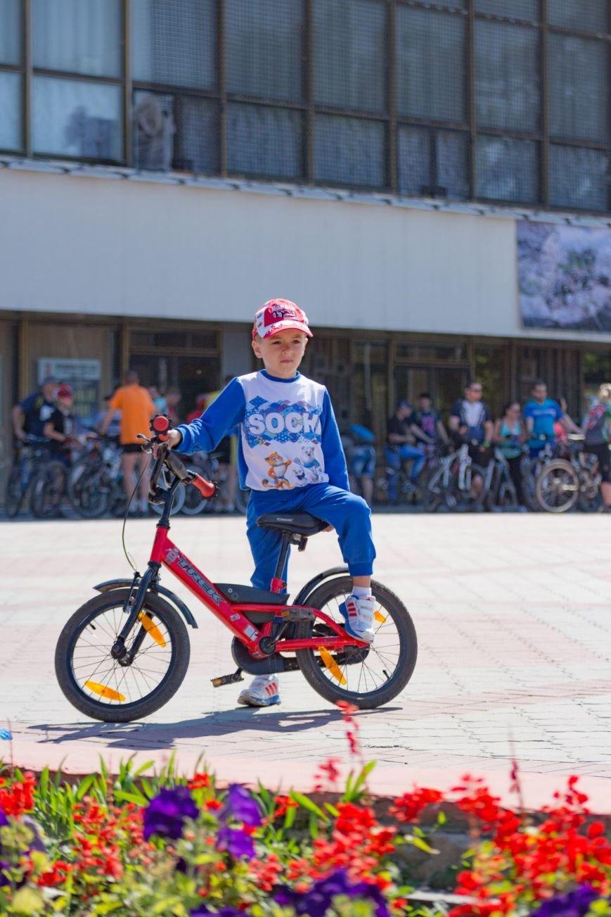 Велопарад собрал в центре Симферополя несколько сотен участников от мала до велика (ФОТО, ВИДЕО), фото-8