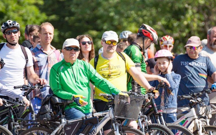 Велопарад собрал в центре Симферополя несколько сотен участников от мала до велика (ФОТО, ВИДЕО), фото-2