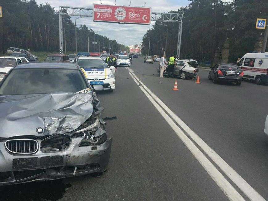 Разбитые авто и один пострадавший - ДТП на Салтовке (ФОТО), фото-3