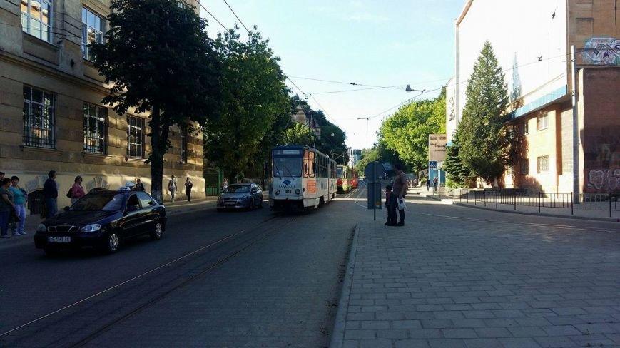 Зранку на Сихів знову не курсували трамваї (ФОТО), фото-1