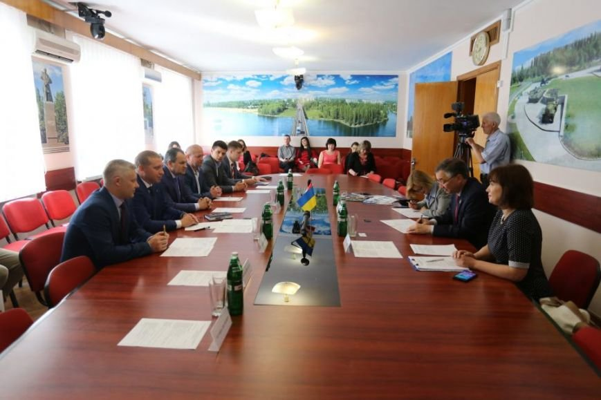 В Кременчуг прибыл Чрезвычайный и Полномочный Посол Канады в Украине (фото и видео), фото-2