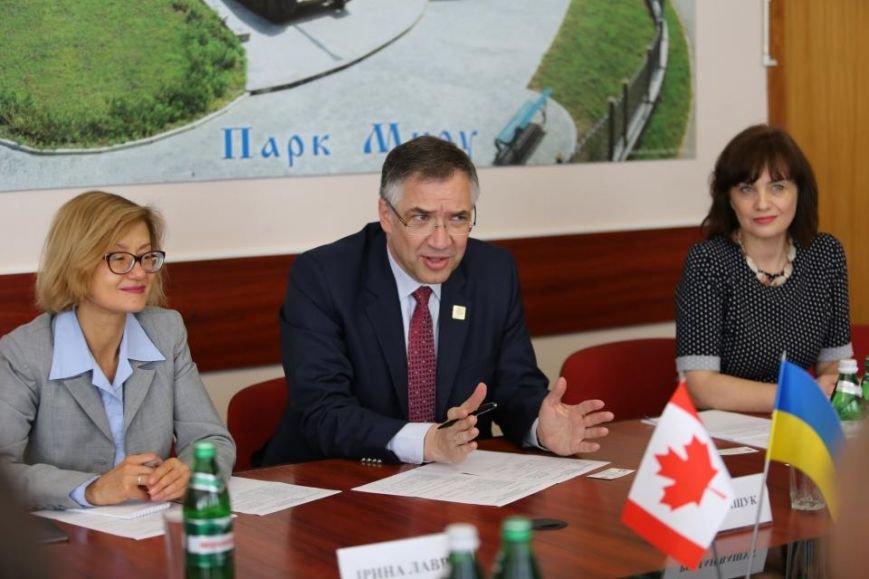 В Кременчуг прибыл Чрезвычайный и Полномочный Посол Канады в Украине (фото и видео), фото-3