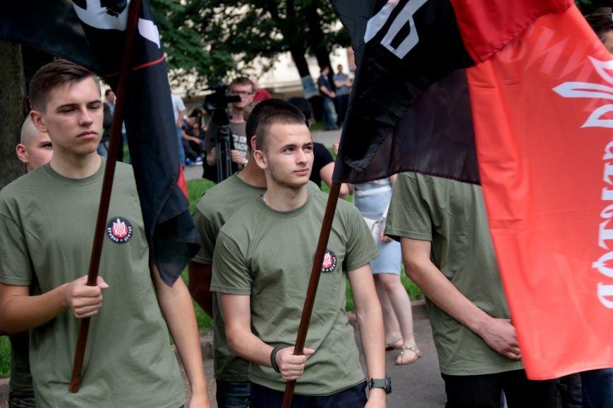 Львівську обласну раду пікетують: дізнайся, хто і чому (ФОТОРЕПОРТАЖ), фото-11