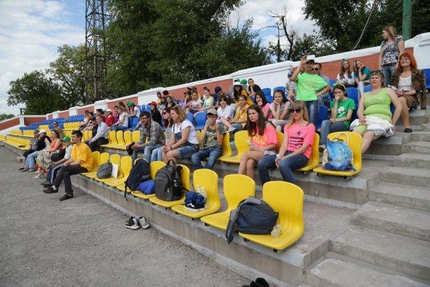 Матч дружбы: в Мариуполе дети-сироты сразились с профессиональными футболистами, фото-4