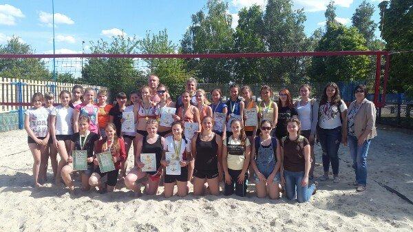 В Родинском состоялось первенство ДЮСШ Покровска по пляжному волейболу среди девушек, фото-1