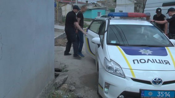 «Руки за голову, лицом к стене!»: В Одессе спецназ «накрыл» наркодельцов (ФОТО, ВИДЕО), фото-5