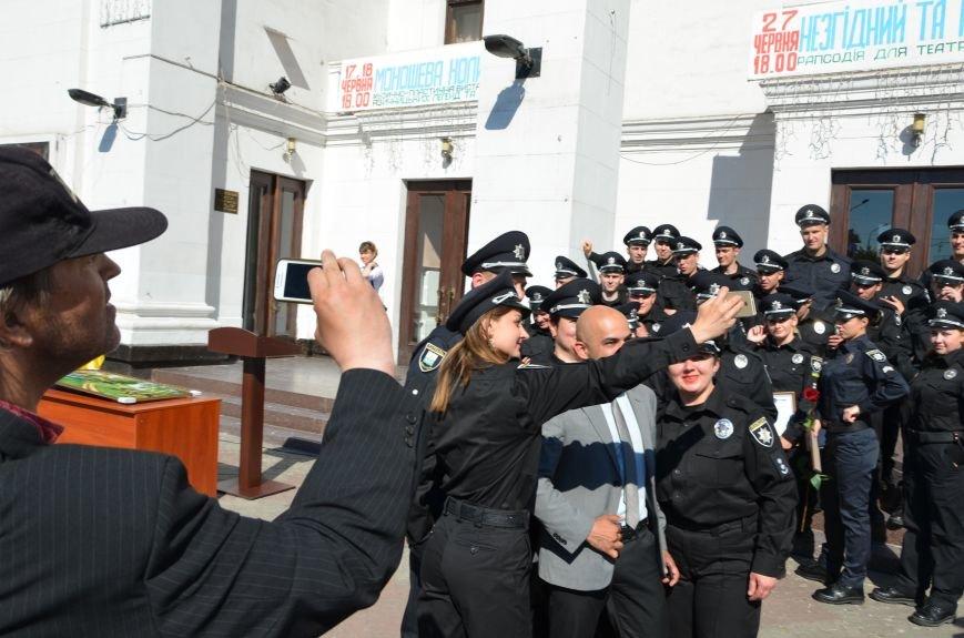 Год мариупольской полиции. Отмечали с оркестром, барабанщицами, Мустафой Найемом, но без мэра (ФОТО+ВИДЕО), фото-31