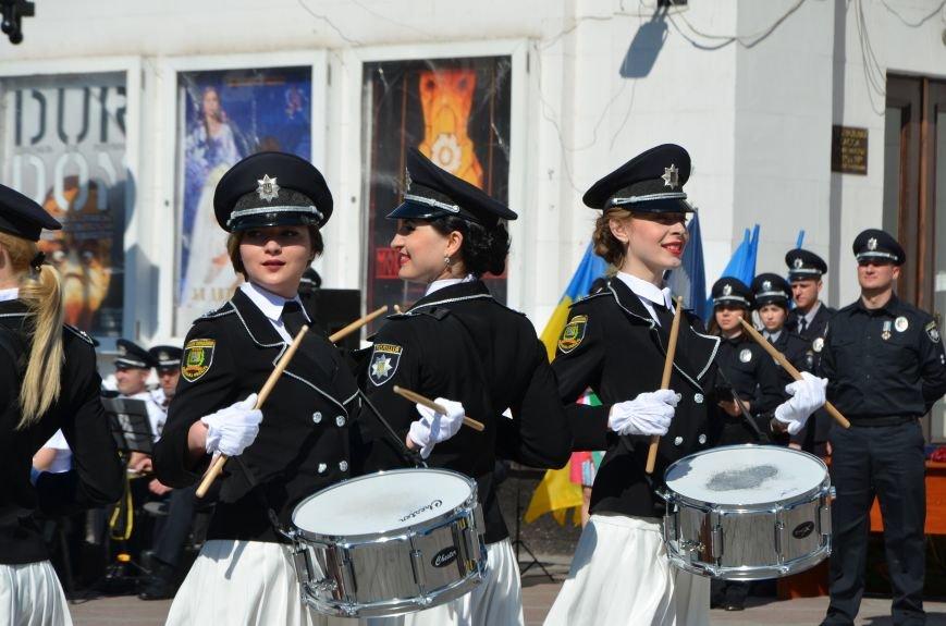 Год мариупольской полиции. Отмечали с оркестром, барабанщицами, Мустафой Найемом, но без мэра (ФОТО+ВИДЕО), фото-25
