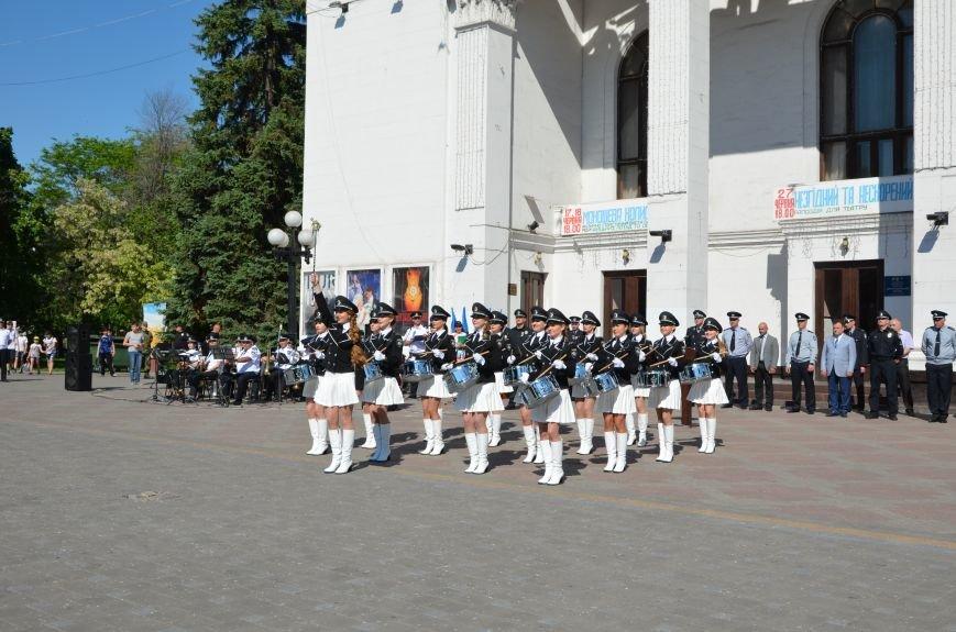 Год мариупольской полиции. Отмечали с оркестром, барабанщицами, Мустафой Найемом, но без мэра (ФОТО+ВИДЕО), фото-22