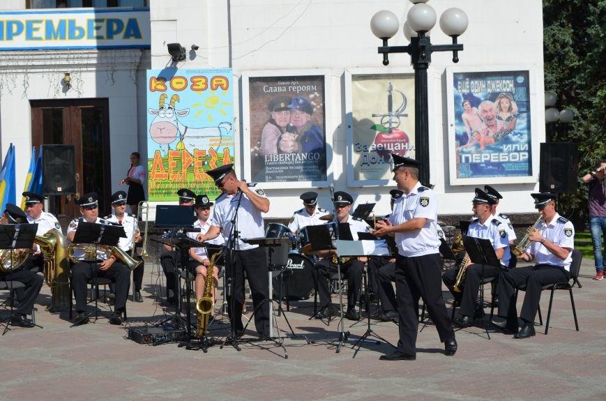 Год мариупольской полиции. Отмечали с оркестром, барабанщицами, Мустафой Найемом, но без мэра (ФОТО+ВИДЕО), фото-27