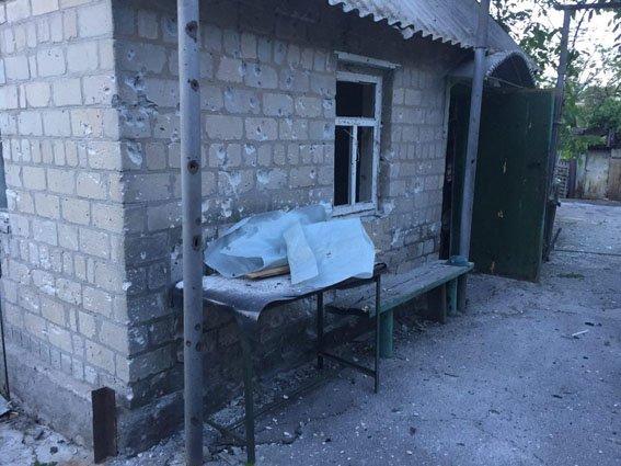 """Боевики """"ДНР"""" обстреляли автобусную остановку в Авдеевке - ранены три человека (ФОТО), фото-2"""