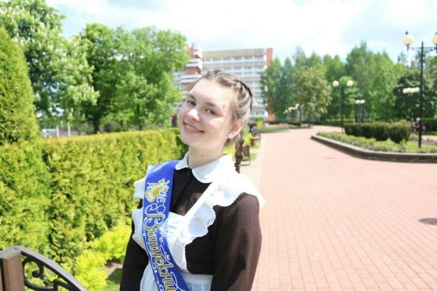 «Не забуду лицейские сырники», или  О чём грустили новополоцкие выпускницы на линейке?, фото-2