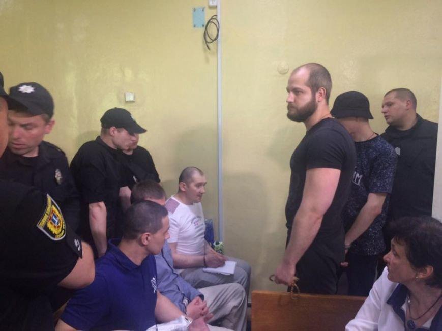 Суд по делу «2 мая»: Террористов выпустили из клетки (ФОТОФАКТ), фото-1