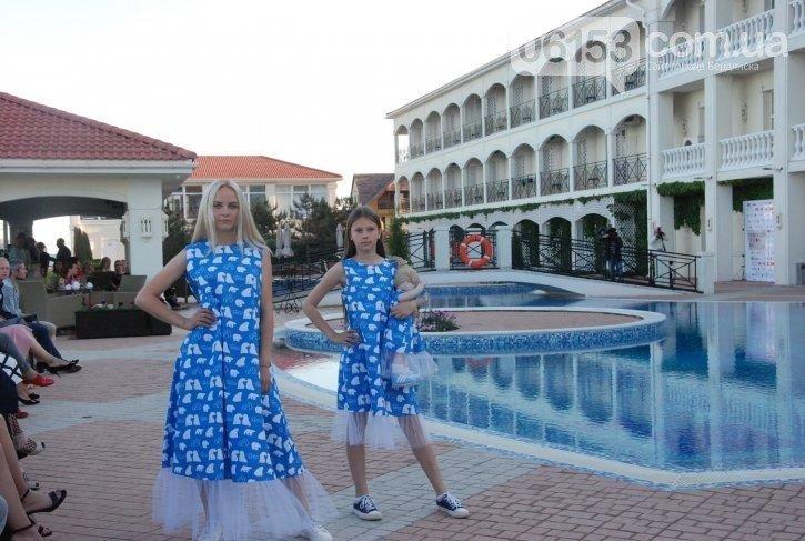 «Дура я дура» и Пикассо: в Бердянске прошел странный показ мод, - ФОТО, фото-13