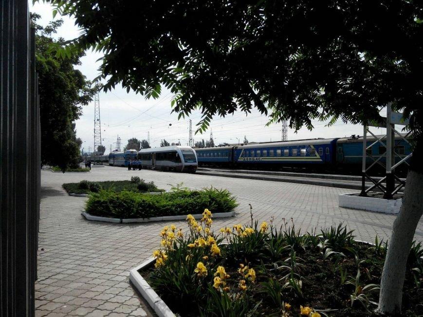 Прибытие поезда. На вокзале Мариуполя заметили современный вагон (Фотофакт), фото-2
