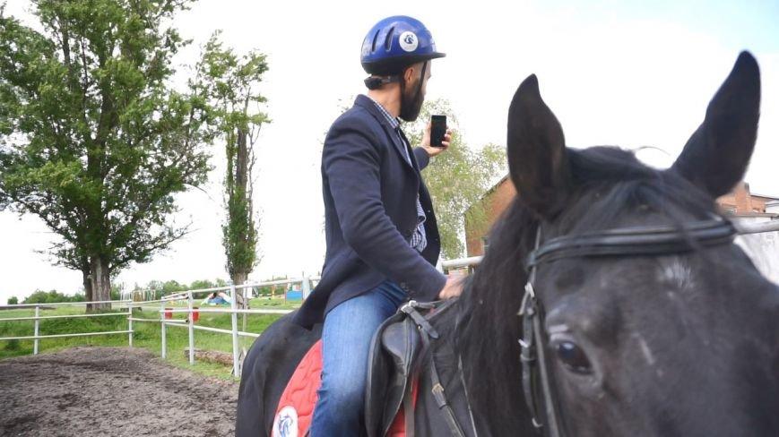 #ХочувРостов: Артем Козлов впервые сел на лошадь, фото-9
