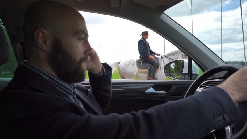 #ХочувРостов: Артем Козлов впервые сел на лошадь, фото-1