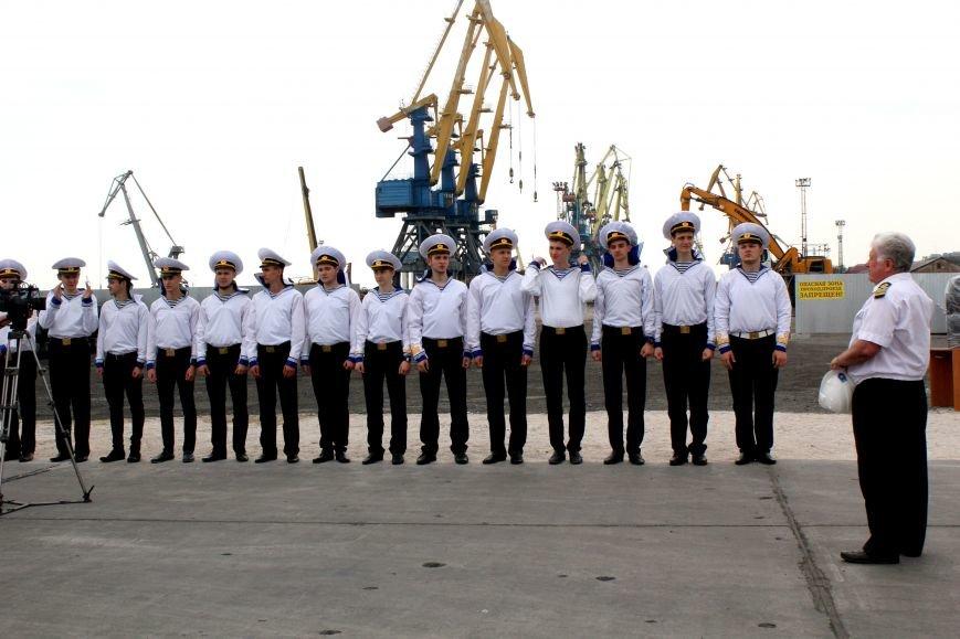 Премьер-министр заложил камень в погрузочный терминал в Мариупольском порту (ФОТО), фото-9