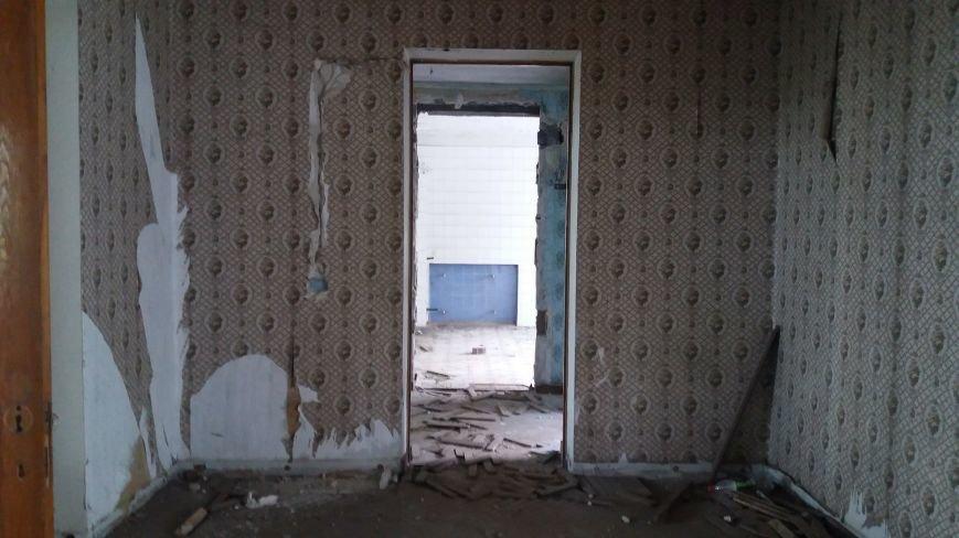 Разбитые окна и новая крыша: на запорожской Хортице бывшую VIP-дачу хотят превратить в учебный корпус академии, — ФОТОРЕПОРТАЖ, фото-4