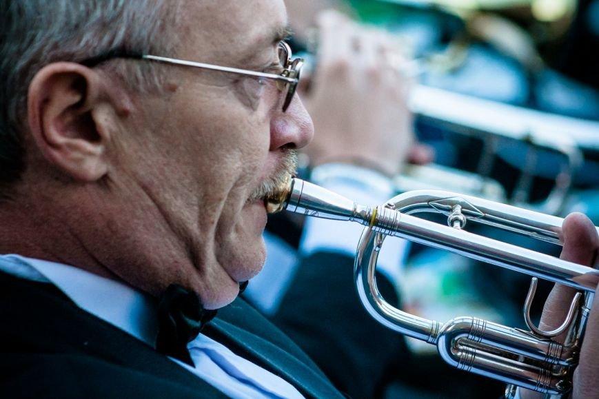 В Ростове прошел концерт на свежем воздухе в рамках проекта «Слушай только живое», фото-1
