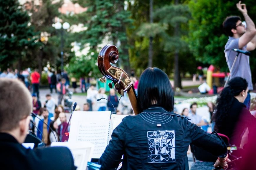 В Ростове прошел концерт на свежем воздухе в рамках проекта «Слушай только живое», фото-8