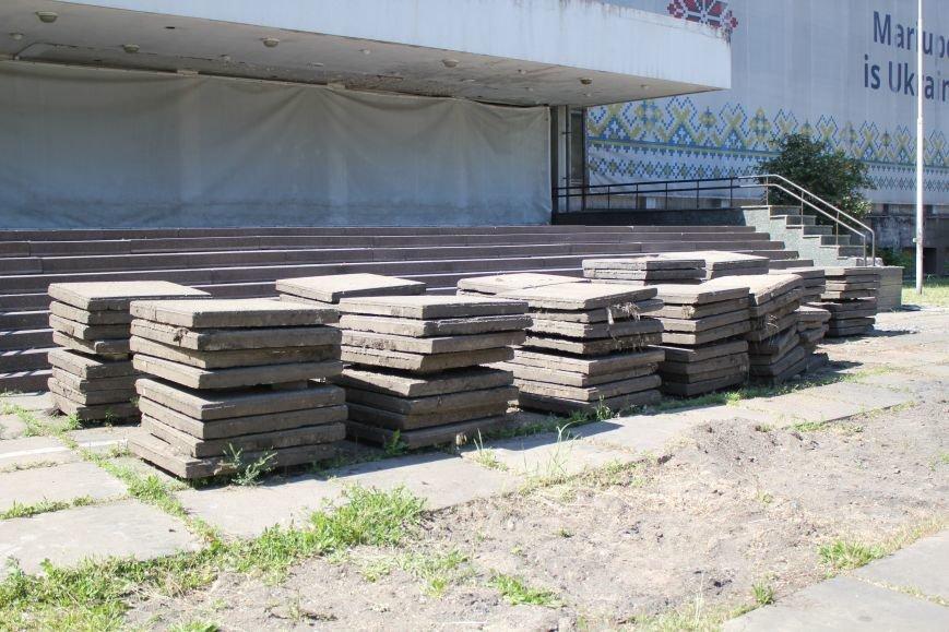 В центре Мариуполя начали ремонтировать площадь (ФОТО), фото-5