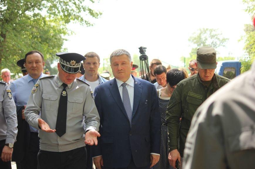 Как в Запорожье Авакова встречали, - ФОТО, ВИДЕО, фото-37