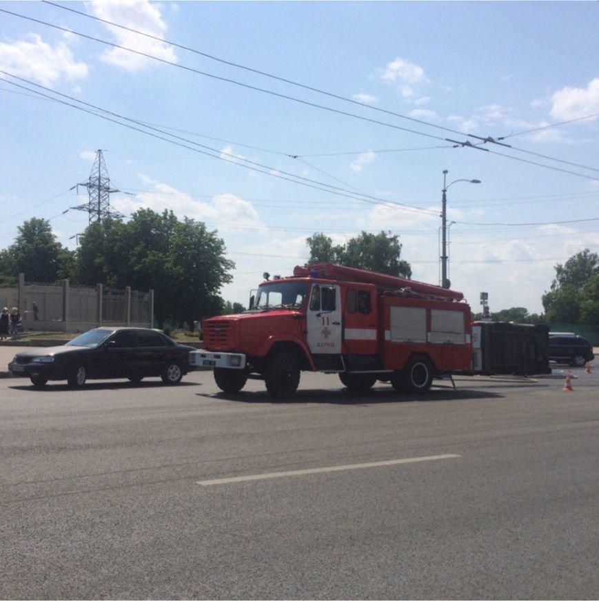 На Московском проспекте перевернулась карета скорой помощи: пострадал трехлетний ребенок (ФОТО), фото-2